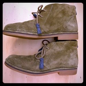 Hush Puppies Boho soft suede olive booties size 8